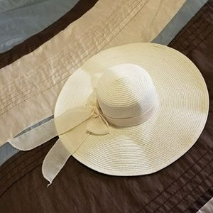 Ivory Flop Brim Hat with Bow
